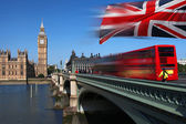 Big Ben with red double-decker in London, UK — Stock Photo