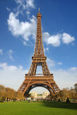 Famous Eiffel Tower in Paris, France — Stock Photo