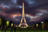 PARIS - APRIL 02 : Light Performance Show on April 02, 2011 in Paris. The Eiffel tower stands 324 metres (1,063 ft) tall. Monument was built in 1889, attendance is over 7 millions — Stock Photo