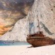 Navagio beach with ship-wreck in Zakynthos, Greece — Stock Photo #11170386