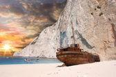 Navagio beach with ship-wreck in Zakynthos, Greece — Stock Photo