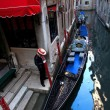 Gondolier waiting for customer in Italy — Stock Photo