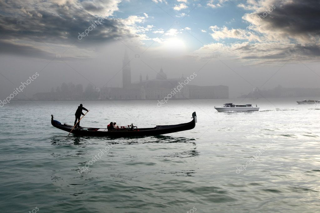 Gondolas in the morning, Venice, Italy — Stock Photo #11274921