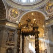 St. Peters Basilica, St. Peters Square, Vatican City. Indoor interior — Stock Photo #11790725