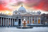 Basilica di San Pietro, Vatican, Rome, Italy — Stock Photo