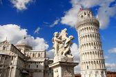 падающая башня в пизе, италия — Стоковое фото
