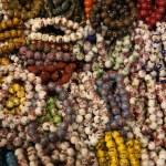 Colorful bracelets.Temple street market. Hong Kong. — Stock Photo