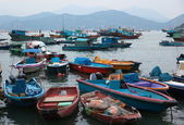 Late evening. Fishing and house boats in Cheung Chau harbour. Hong Kong. — Stock Photo