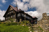Jizera mountain, Western Sudetes in Poland, chalet on the top of Stog Izerski — Stock Photo