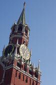 часы в спасская башня, кремль — Стоковое фото