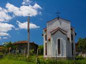 Pequeña torre de iglesia y campanario — Foto de Stock