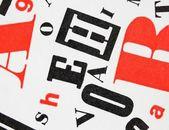 Biały czarny czerwony - mieszaniny liter — Zdjęcie stockowe