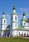 Iglesia de la resurrección en la aldea de molodi, Rusia — Foto de Stock