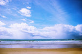 Blue sky and azure ocean — Stock Photo