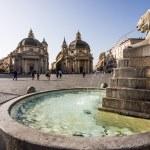 Piazza del Popolo with twin churches in Rome — Stock Photo