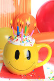 Happy birthday cupcake and candles — Stock Photo