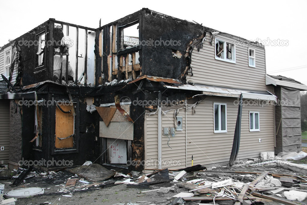 New house destroyed by fire. Also available in vertical. — Stock Photo #11106229