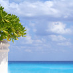 Beautiful tropical beach scene. — Stock Photo
