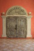 Vintage-dubbel-dörrar. — Stockfoto