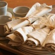 Tea cups and napkins at the bistro — Stock Photo