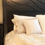 Master bedroom — Stock Photo #11717093