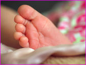 Newborn Feet — Stock Photo