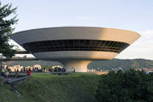 Art Modern Museum by Oscar Niemeyer - Brazil — Stock Photo