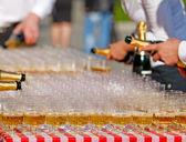 Obchodzi z szampanem — Zdjęcie stockowe
