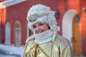 A girl dressed as the queen Russia — Stock Photo