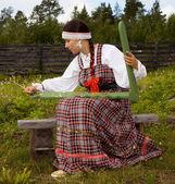 Ulusal kostüm portre genç kız — Stok fotoğraf