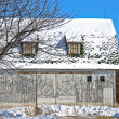 Old barn in winter — Stock fotografie