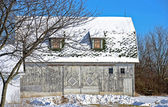 Old barn in winter — Stock Photo