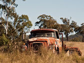 Australian outback rusty old farm truck — Stock Photo