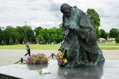 Kardynal Stefan Wyszynski statue in Czestochowa, Jasna Gora, Poland — Stock Photo