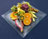 Fresh and fruity dish on a plate — Stock Photo