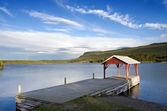 湖降落在村庄的耶克维克 — 图库照片