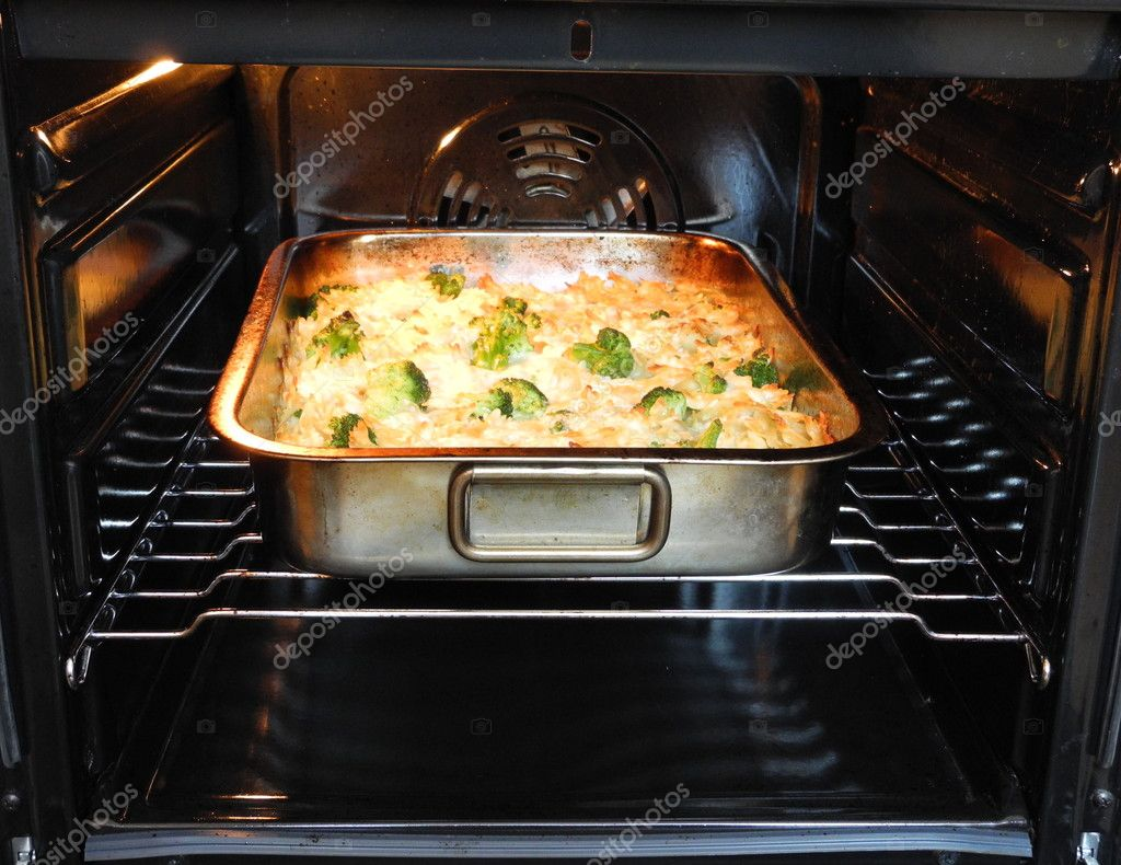 Baked pasta with broccoli and cheese.  Stock Photo #11056529