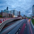 Busy city highway at twilight. — Foto Stock