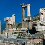Memmius Monument at the ruins of Ephesus in Turkey — Stock Photo
