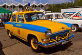 "Old car show on Retrofest. Soviet police car ""Pobeda"" — Stock Photo"