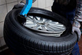Tire wijzigen close-up — Stockfoto