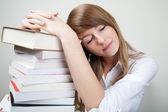 Bussines donna sonno sui libri — Foto Stock