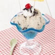 图库照片: Cookies and cream ice cream with beach umbrella decoration