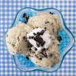 Overhead shot of a cookies and cream ice cream — Stock Photo