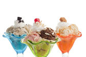 一勺冰淇淋的多彩杯 — 图库照片