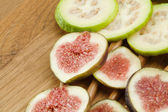 Fig and guava fruits — Stock Photo