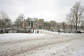 Snowy Amsterdam in wintertime in the Netherlands — Foto Stock