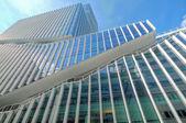 Detalle de cristal edificio en amsterdam, los países bajos — Foto de Stock