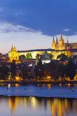Praga - castillo de hradcany al atardecer — Foto de Stock