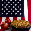 Apple Pie & American Flag — Stock Photo